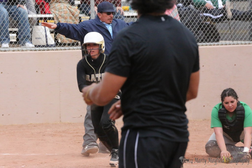 It was the winning run in the seventh inning as CAydence Sisneros was called safe to the disgust of Pojoaque Elkette catcher Analisa Martinez.