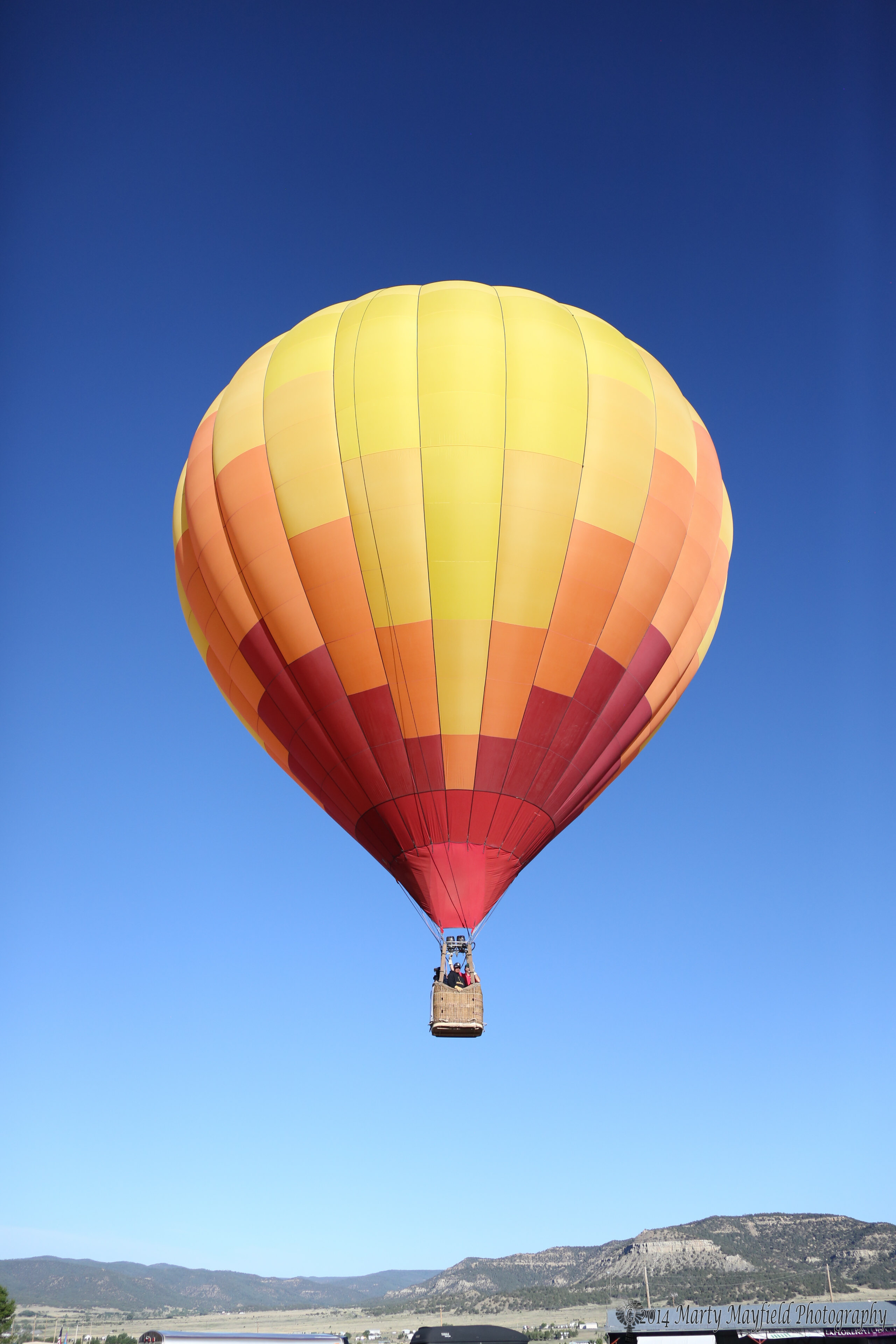 Up Up And Away As Balloons Soar Over Raton Krtn