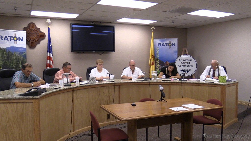 Raton City Commissioners met Tuesday evening and appointed a new city commissioner, Lindè Schuster.