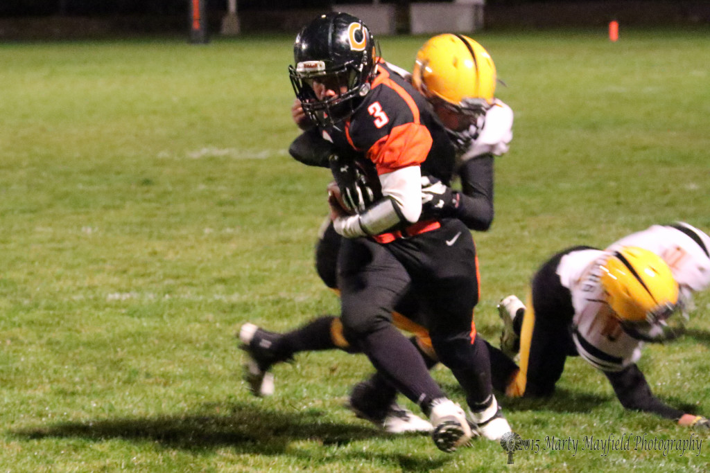 Edgar Tarin along with a host of other Yellowjackets gave the Raton defense fits all night