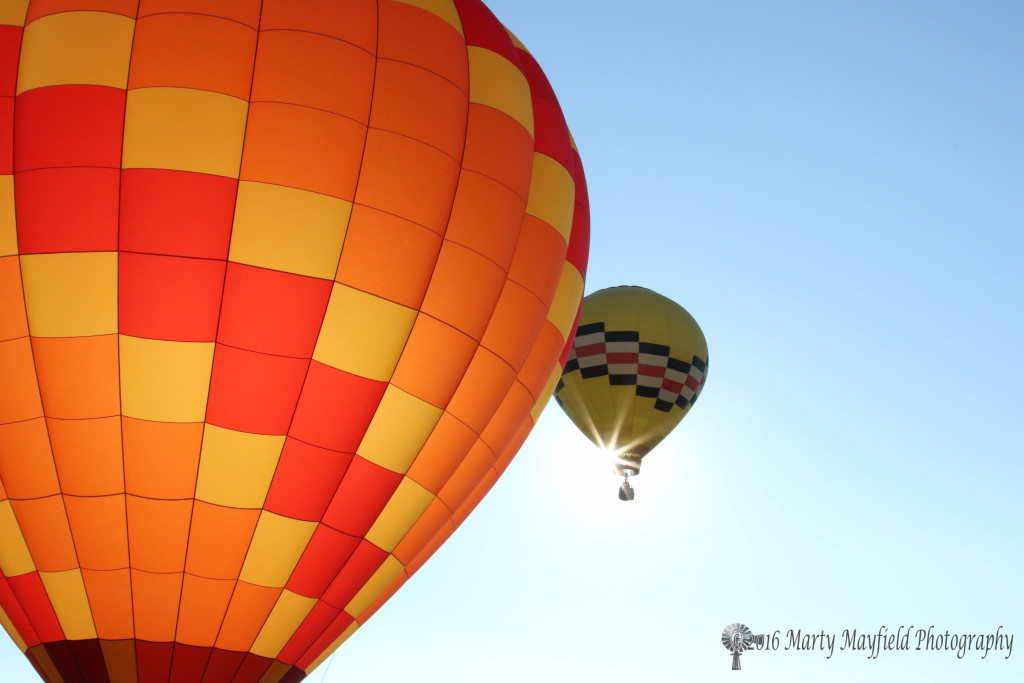 Sunrise Angel and Fuego Encantado brighten up the sky at the 2016 International Santa Fe Trail Balloon Rally