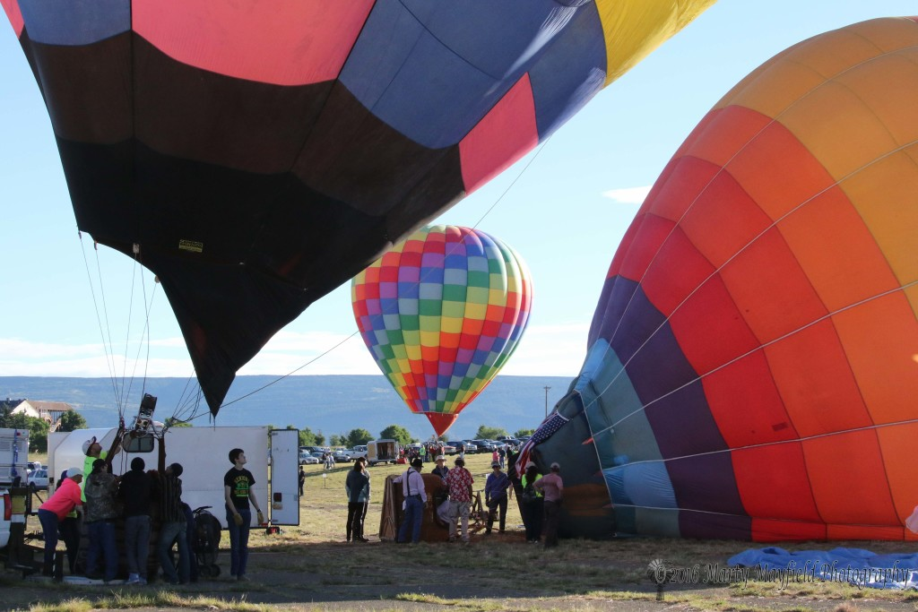 The crowds were a bit smaller but none the less enthusiastic than Saturday as balloons got a delayed start due to surface winds.